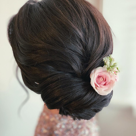 romantic bridal hair.jpg