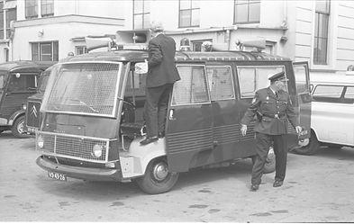 nieuwe rellenwagen 1967.jpg