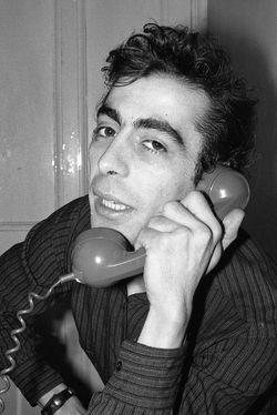 Henry telephone 1977