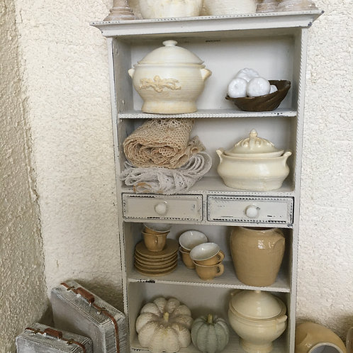 Display shelving with 2 opening drawers