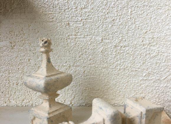 Concrete look finial