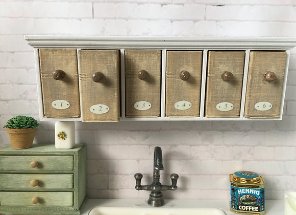 Shelf with 6 pull out deep drawers