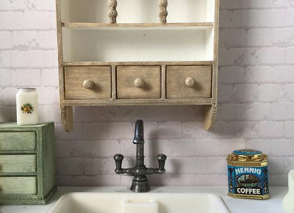 3 Arched filigree shelf