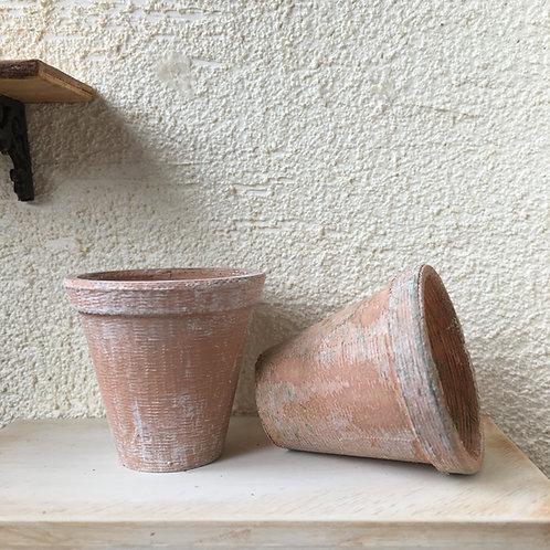 Plain rim pot