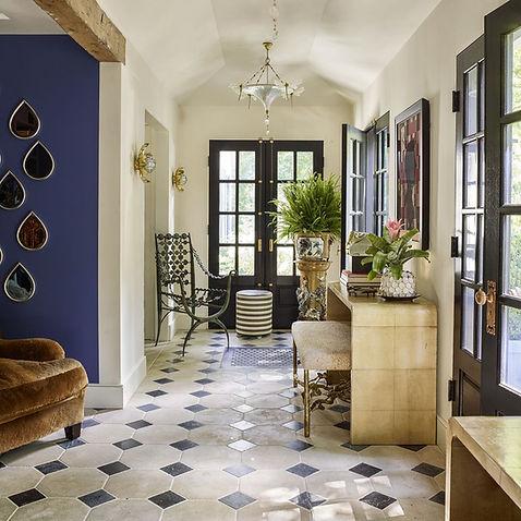 hudson-river-home-hallway-1495564799_edi