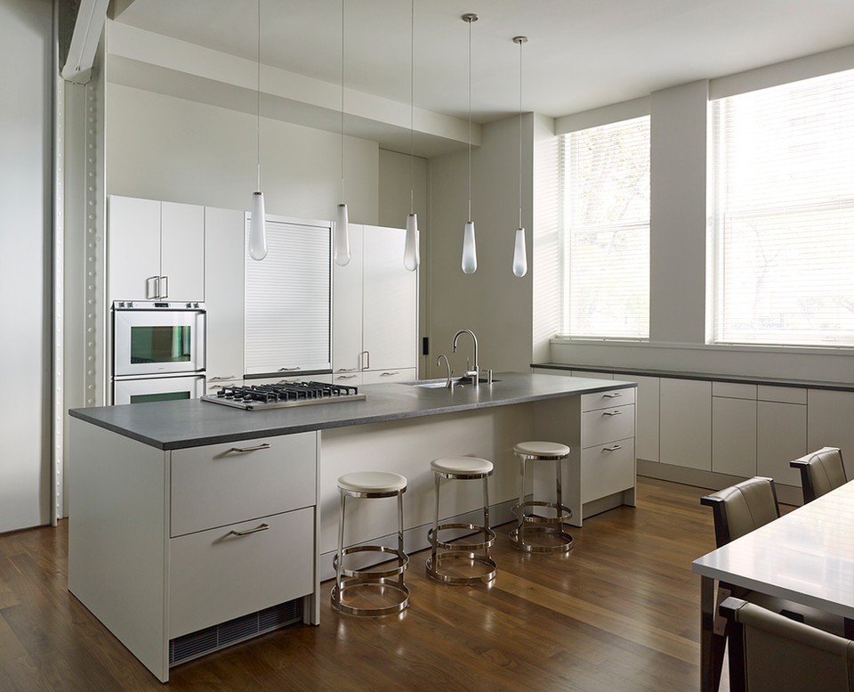 14 LIPPINCOTT- Kitchen.jpg