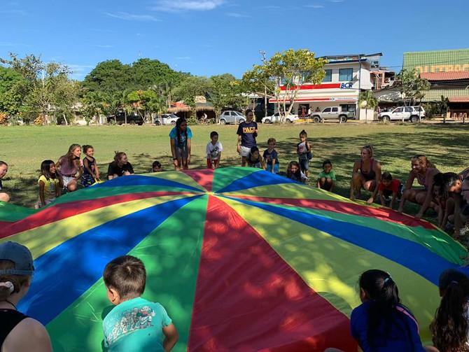 January Summer Camp | Campamento de Verano