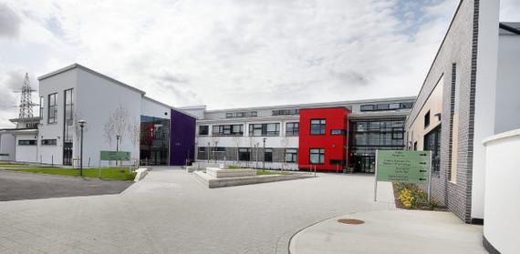 Le Cheile School