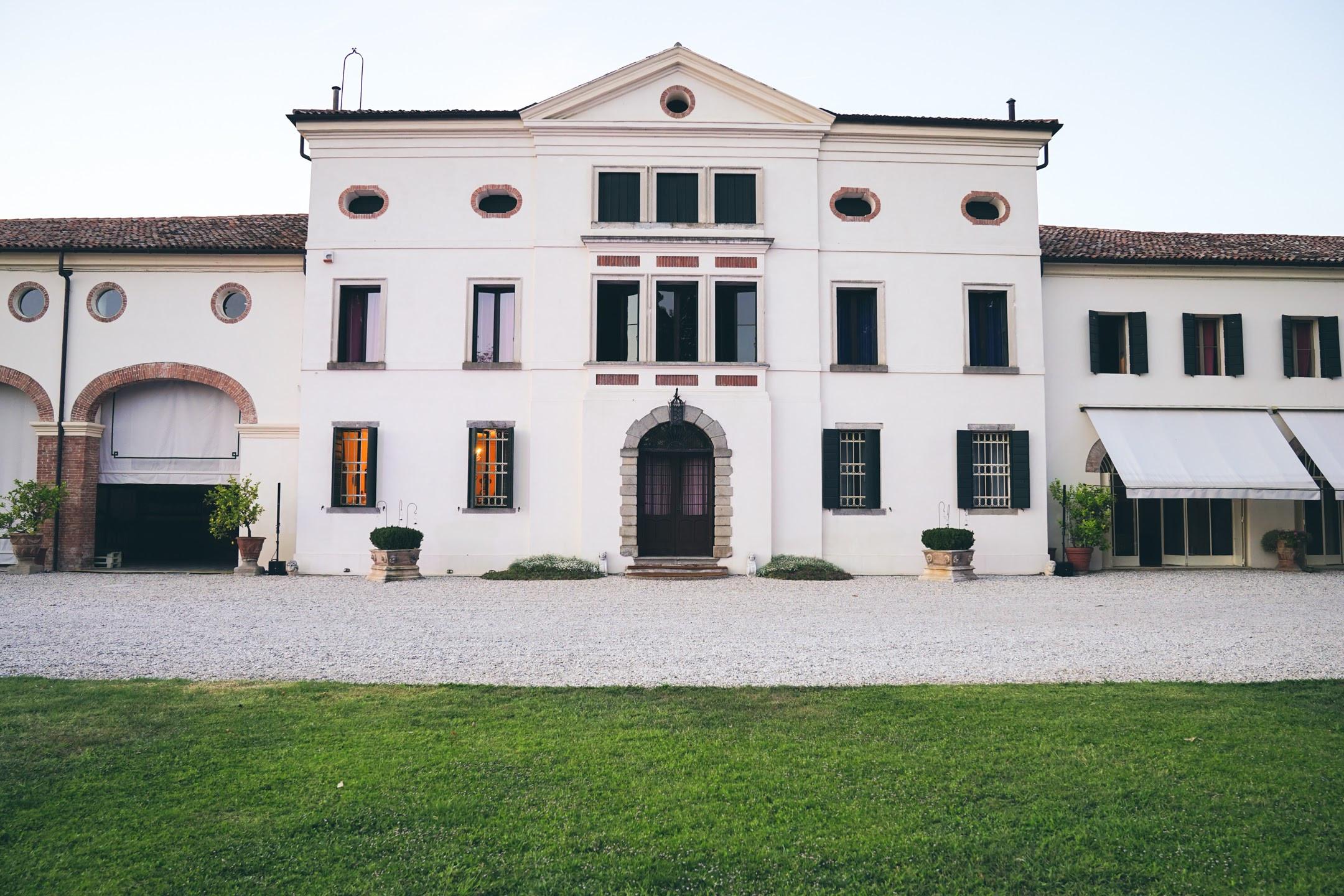 Visita Villa Valcorba