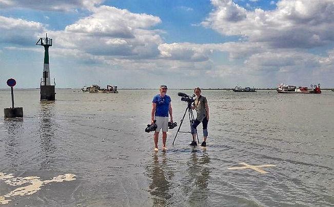 les pieds dans l'eau.jpg