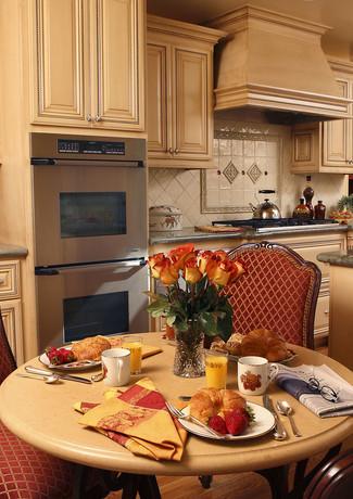 Beshar-KitchenProfessional-002.jpg