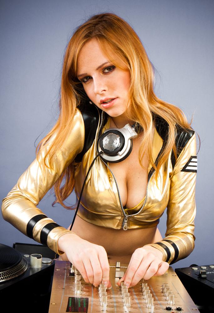 Foxy DJ