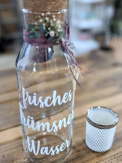 Dörfer-Wasserflasche aus Glas