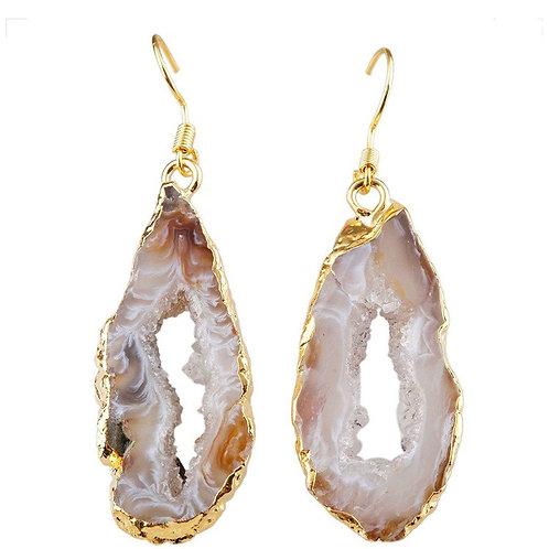 Gold and quartz dangle earrings