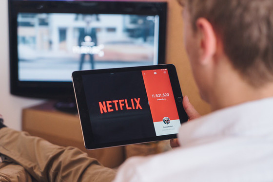5 ways to improve your Spanish while watching Netflix