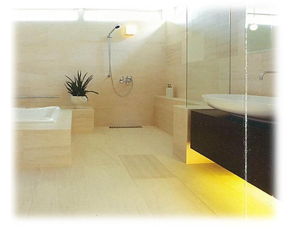 床・壁全面大理石張りとスタイリッシュでおしゃれな洗面台