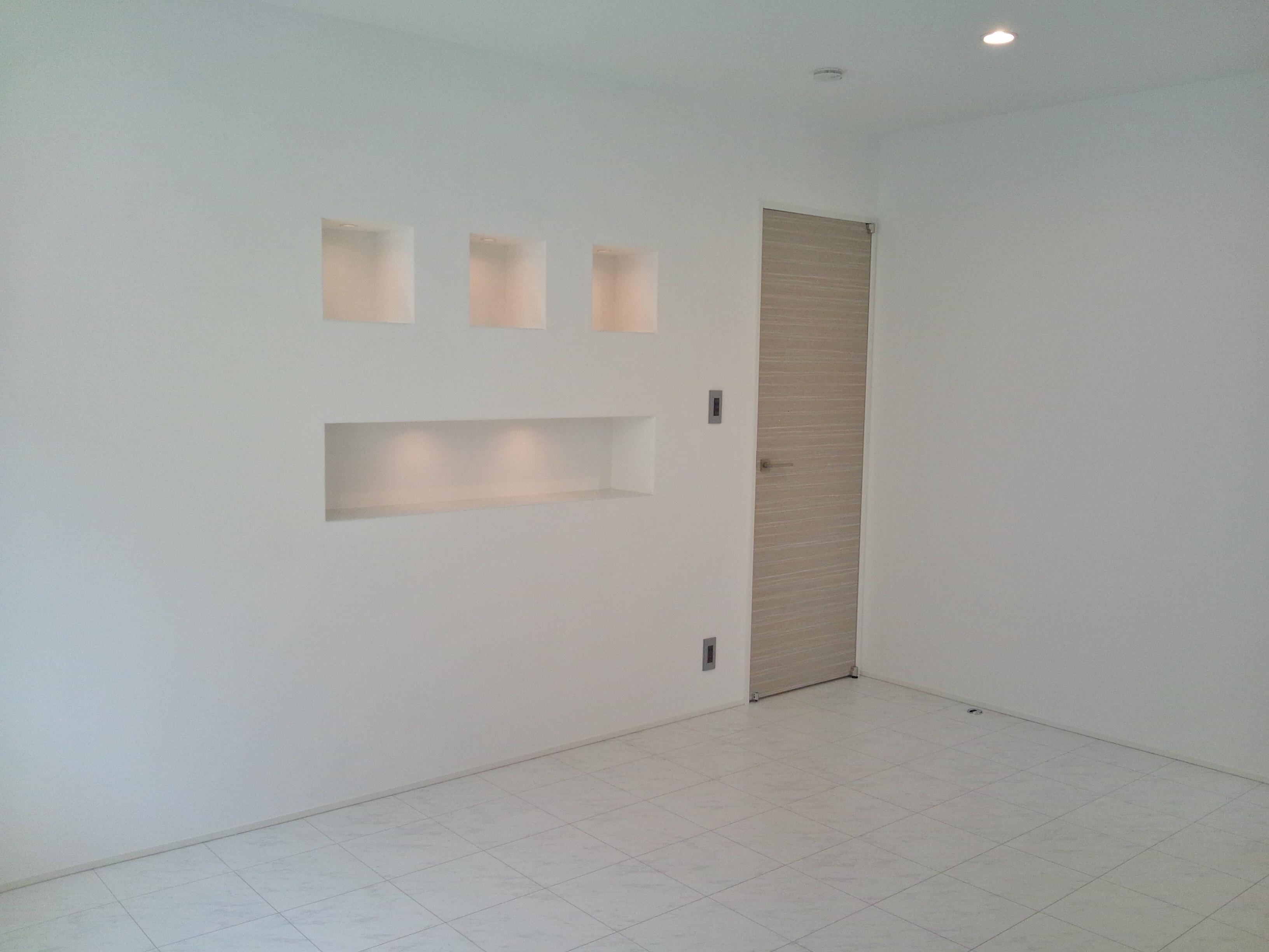 真っ白な空間に、ニッチェで変化を