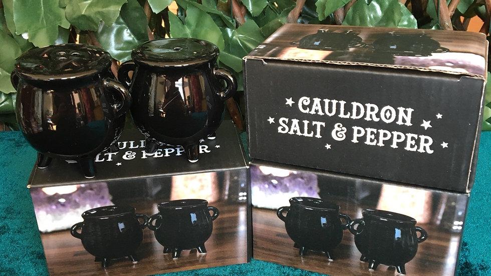 Cauldron Cruet Set