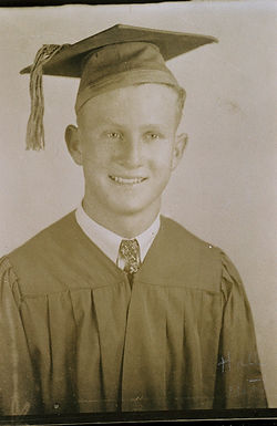 Red McCombs early school years