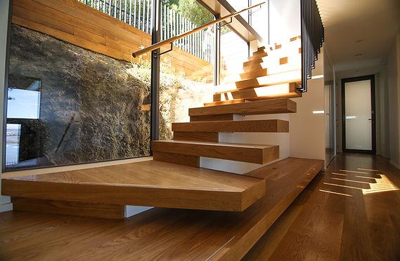 floating-oak-stairs.jpg