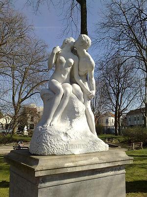 statue-couple.jpg