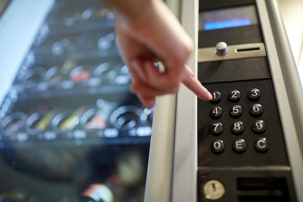 ¿Por qué operar una máquina vending es una buena inversión?