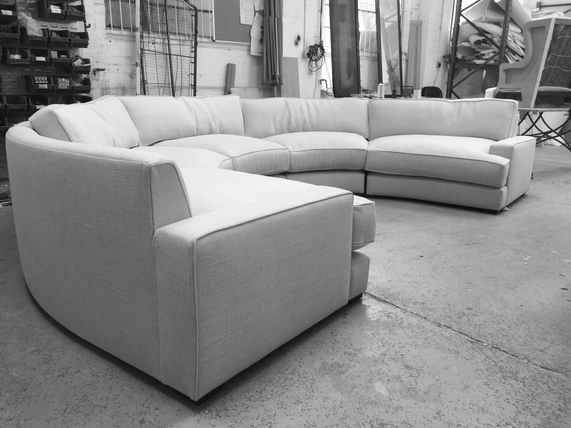 Round modular sofa
