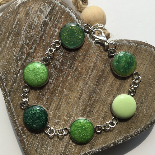 Shades of green bezel bracelet