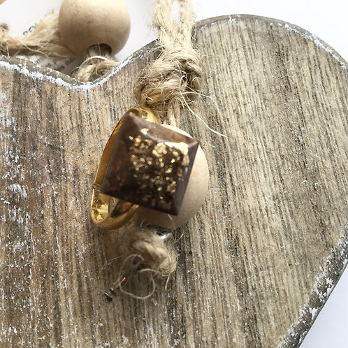 BROWN AND GOLD RESIN RING