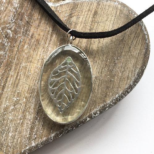 filagree leaf birthstone peridot pendant