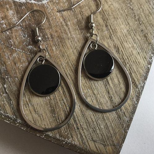 Teardrop black drop earrings
