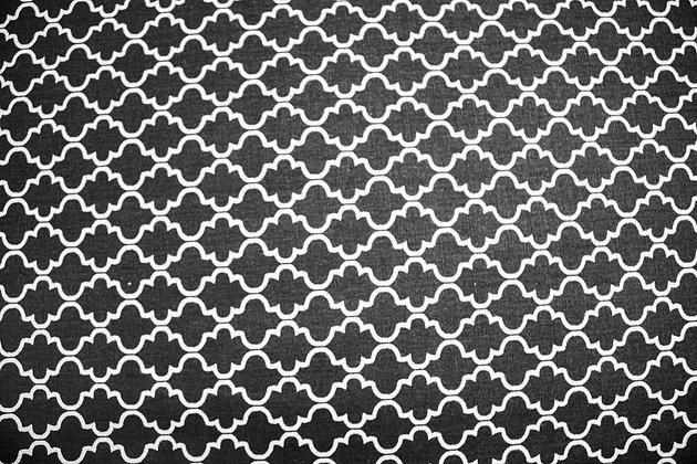 Tricoline Caldeira Geométrico preto e branco