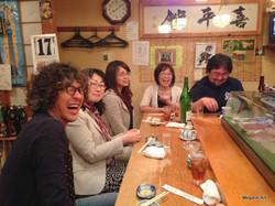カムロ小野寺さんと山車チラシ鮨