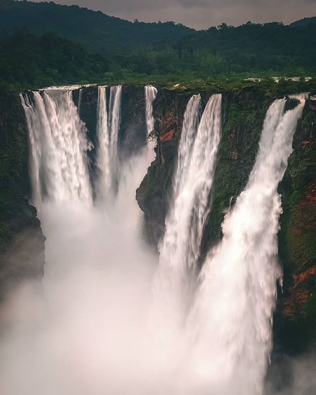 Jog falls, situated in Northern Karnataka, offers a view and experience like no other during the monsoon months.