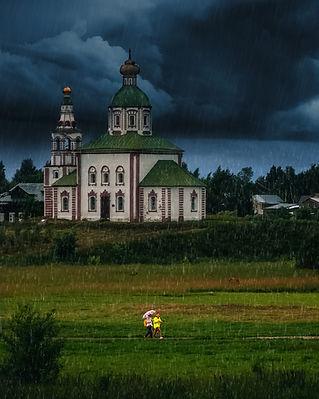 Russia_Suzdal_Walk_Rain_Vertical_WV.jpg