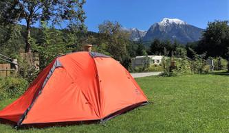 Zeltplatz mit Aussicht auf die Berge