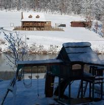 lakeview-getaway-in-the-winter.jpg