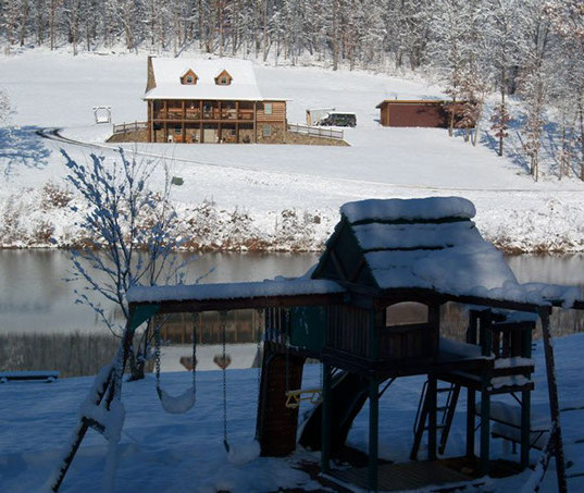 lakeview-getaway-in-the-winter.jpg