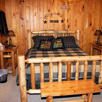 lakeview-getaway-bedroom.jpg