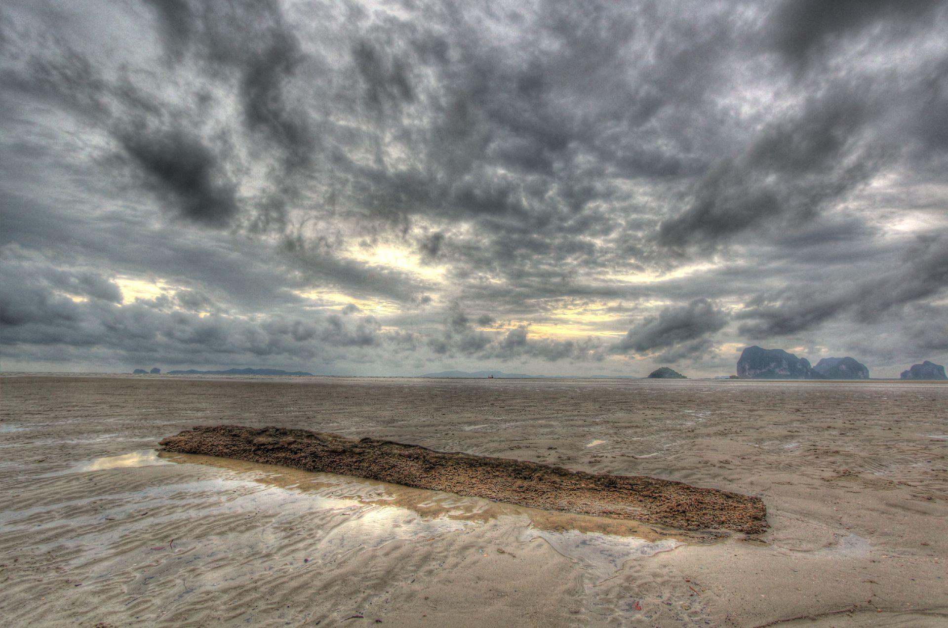 Anantara Beach 6.jpg