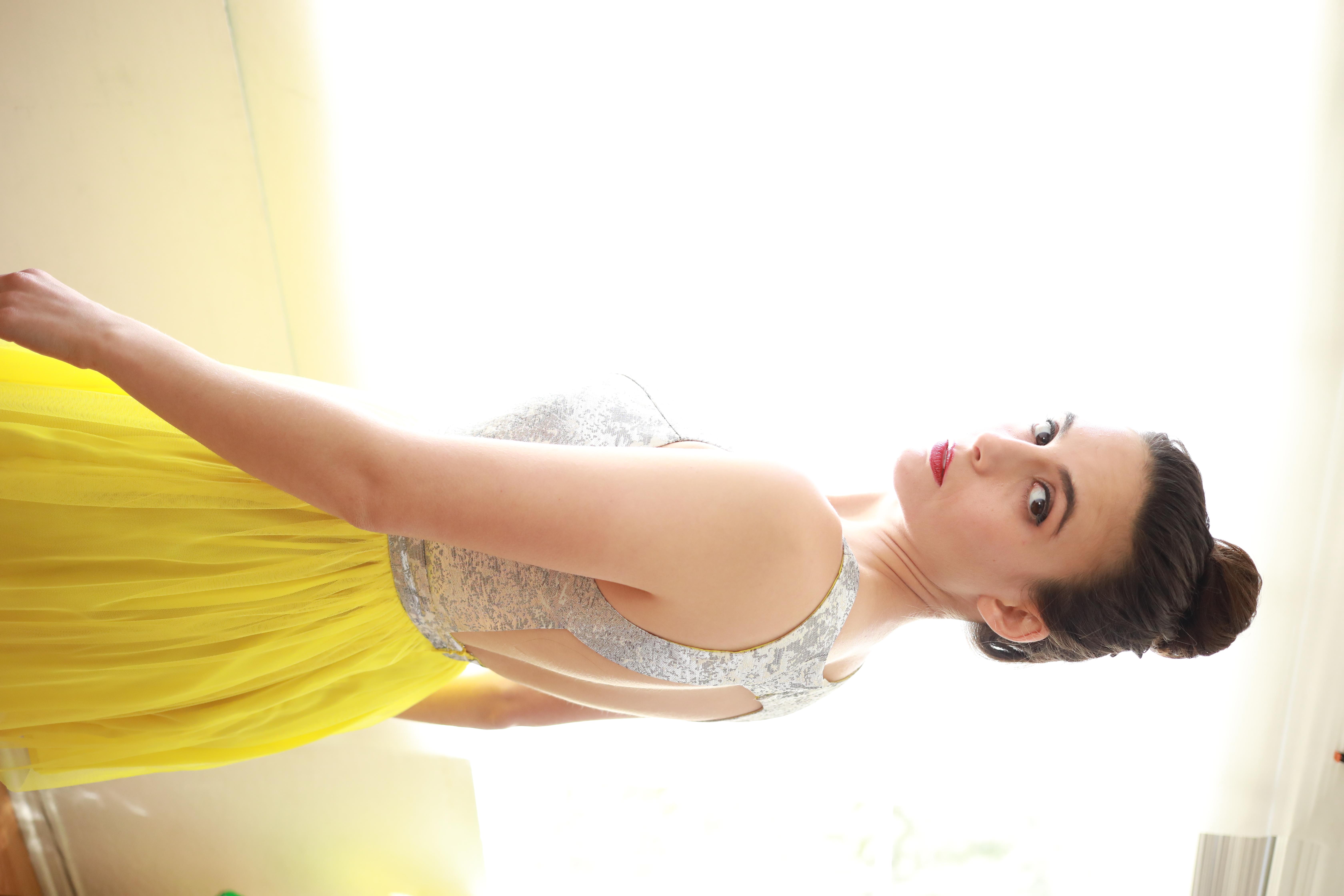 Mara Klein modeling