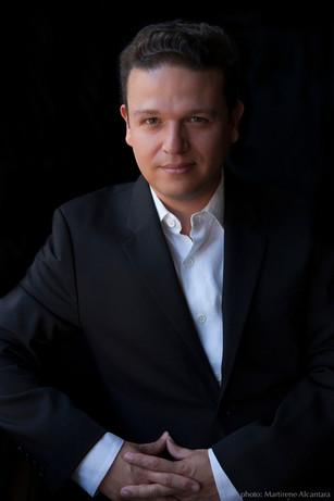 Arturo Rodríguez Bio