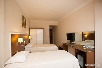 standard-triple-room--v7534357.jpg