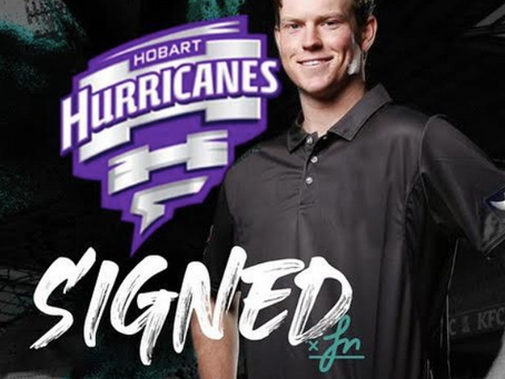 Mitch Owen signs with the Hurricanes
