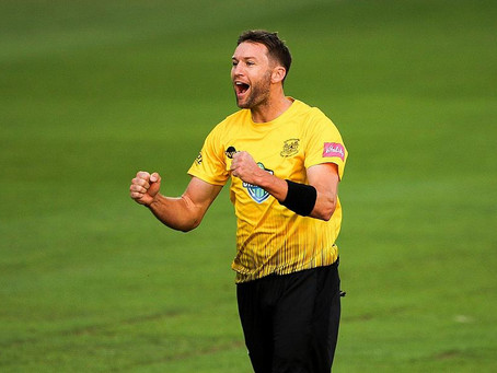 AJ re-signs with Gloucestershire