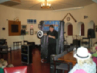 kids magician, magic show for birthday parties,