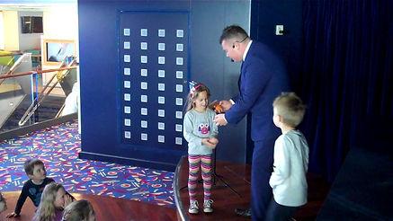 Hurstpierpoint Magician, Magician Hurstpierpoint, Magic Show Hurstpierpoint, Children's entertainer Hurstpierpoint, david Tricks Magician Hurstpierpoint