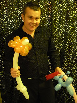 balloon modeller Brighton, David Tricks balloon modelling brighton