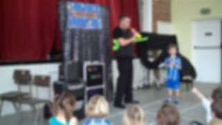 kids magician, children's magician, birthday party magician,