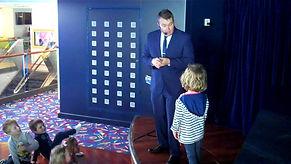 Heathfield Magician, Magician in Heathfield, Children's entertainer Heathfield, David Tricks